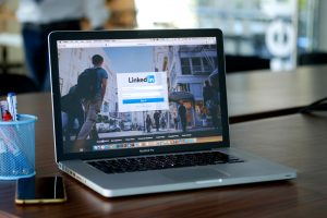 Your Digital Business Card: How to Boost Your LinkedIn Presence